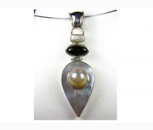 Sensational Pearl & Onyx Pendant