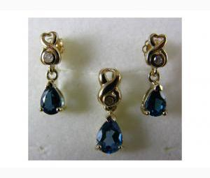 Pendant & Earrings Set - Blue Topaz & Diamonds