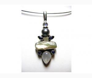 Attractive Moonstone, Pearl & Lolite Pendant