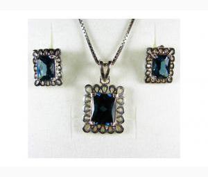 Blue Topaz Earrings & Pendant Set - Beautiful